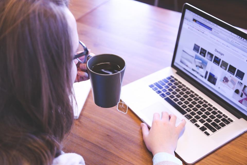 18 idées de business en ligne pour maman entrepreneuse