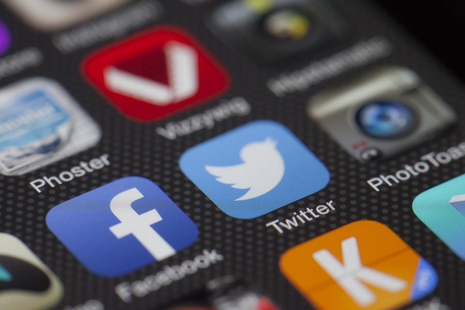 Réseaux sociaux : à quelle heure se connecte mon audience ?